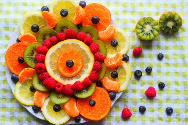 edible-fruit-decoration-ideas-that-are-actually-simple11