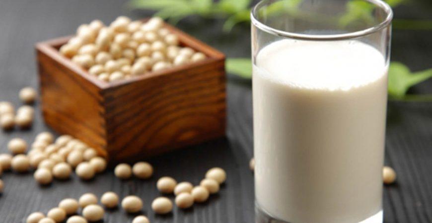 7 lợi ích quan trọng nhất khi uống sữa đậu nành