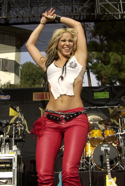 Shakira bật mí bí quyết để có được thân hình nóng bỏng mê hoặc nam giới