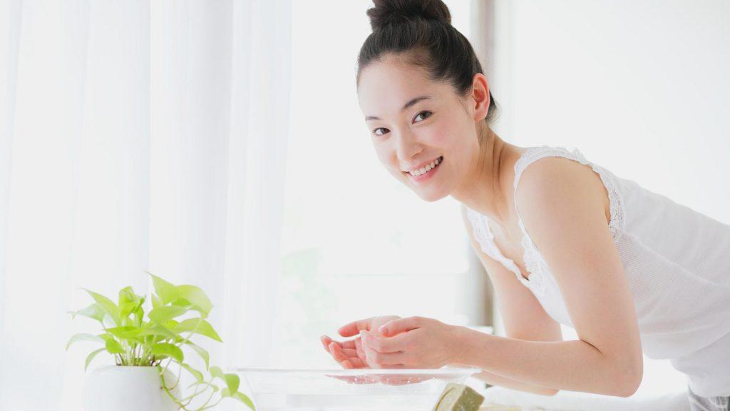 Rửa mặt đúng cách để ngăn ngừa mụn, bạn đã thực sự làm đúng?